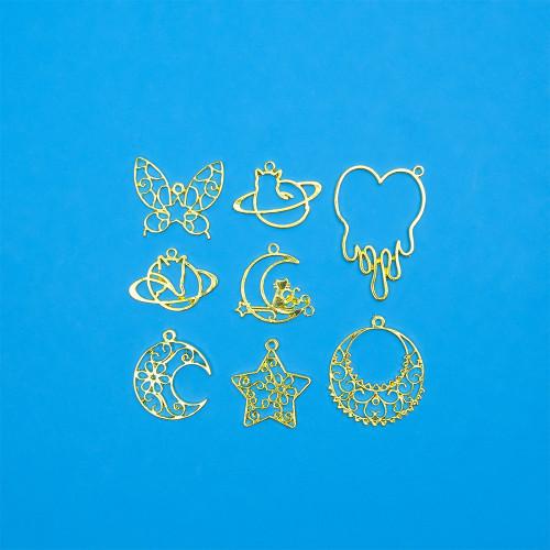 8 bellissimi Open Bezel Charms da impreziosire a vostro piacimento.